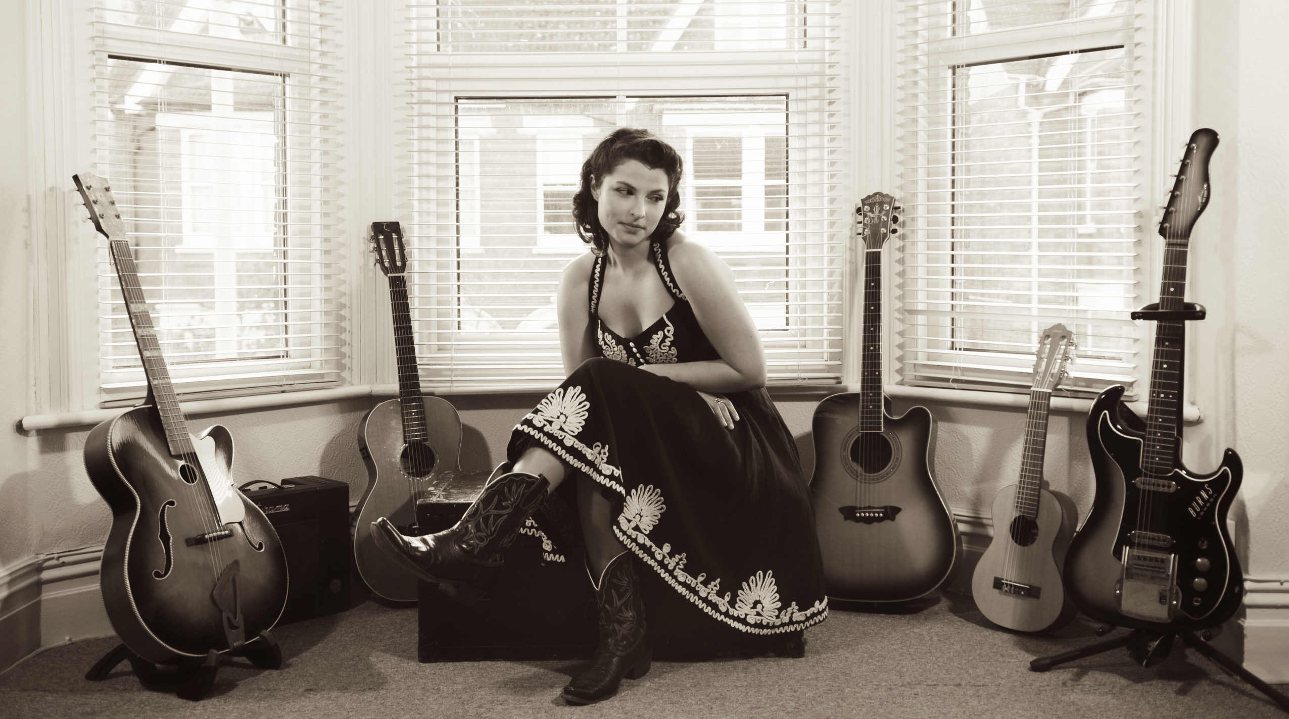 Danni Nicholls to play Before The Gold Rush!